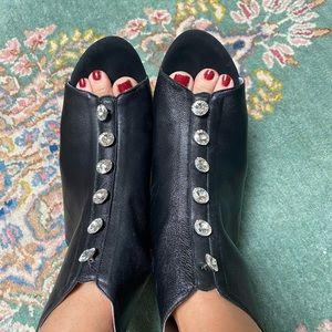 ⭐️Fabulous Leather Rhinestones Booties ⭐️